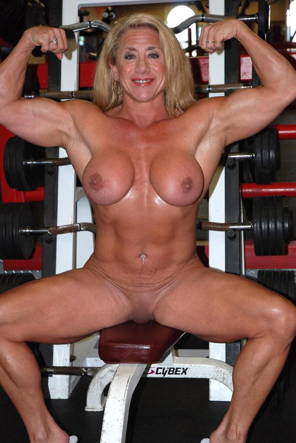 外人エロ画像wスポーツクラブでエロいおふざけしちゃう素人美女がヤバすぎるだろwwwwwww 29 68