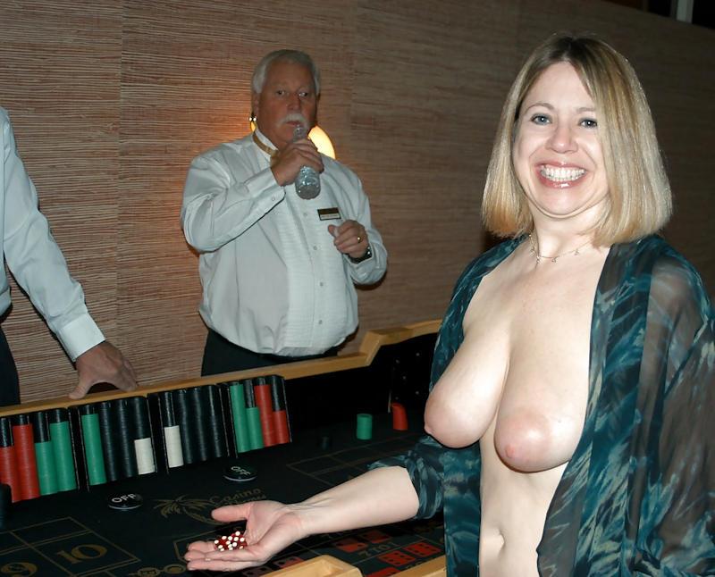 外国人のド派手すぎる露出狂ポルノエロ画像wwww 33 138