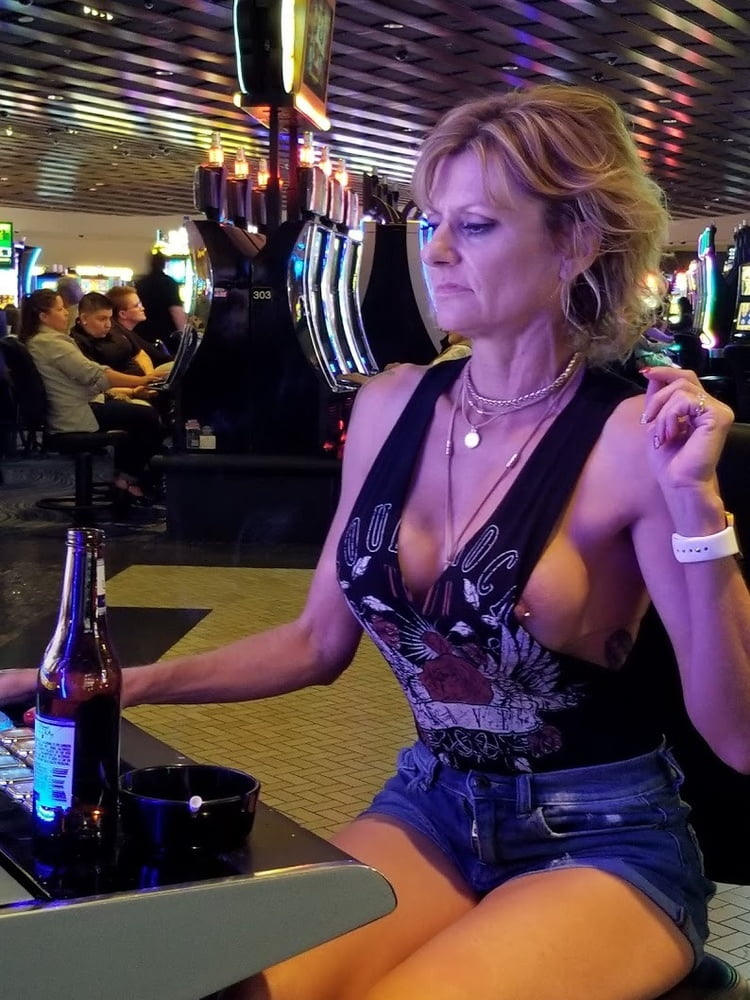外国人のド派手すぎる露出狂ポルノエロ画像wwww 37 131