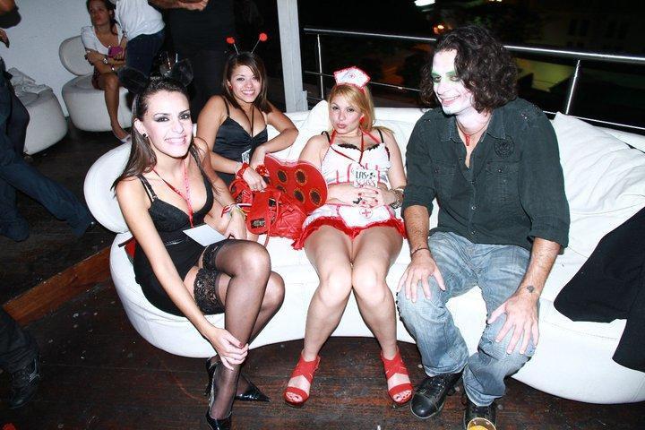 外国人エロ画像wコスプレ姿で盛り上がりwwwハロウィンコス最高にエロしこポルノwwwwwwwww 38 14