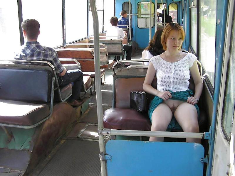 超ヤバすぎるwwwバスの中でとってもいやらしこと楽しんじゃう素人美女外国ポルノエロ画像wwwwww 43 113