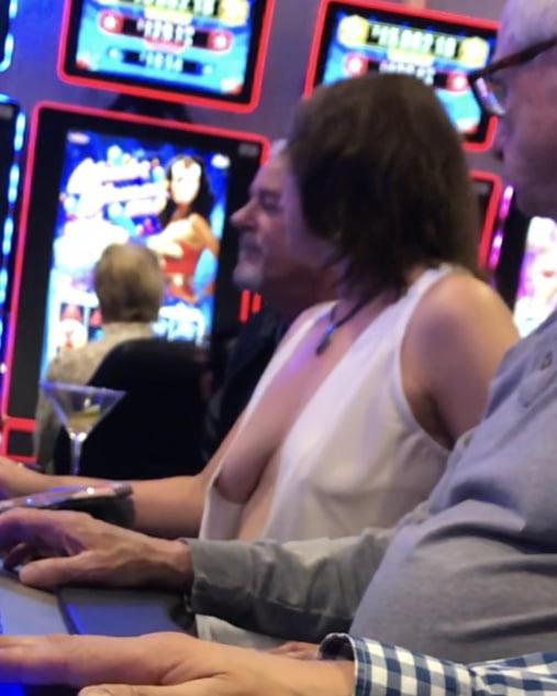 外国人のド派手すぎる露出狂ポルノエロ画像wwww 44 113