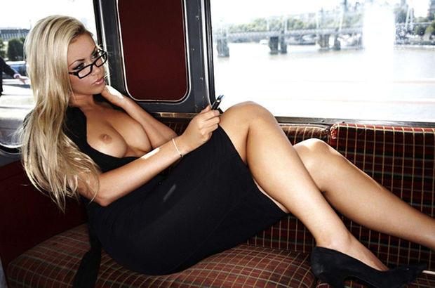 超ヤバすぎるwwwバスの中でとってもいやらしこと楽しんじゃう素人美女外国ポルノエロ画像wwwwww 51 87