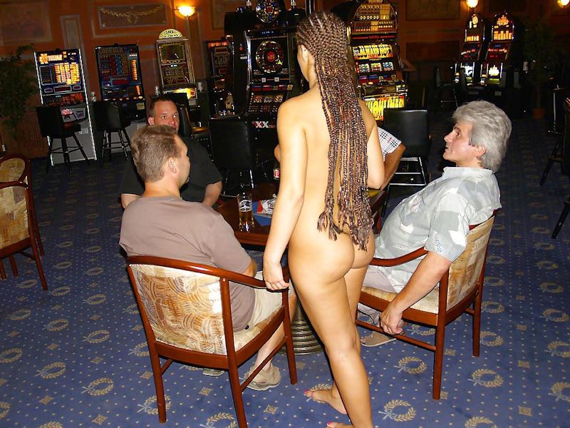 外国人のド派手すぎる露出狂ポルノエロ画像wwww 54 81