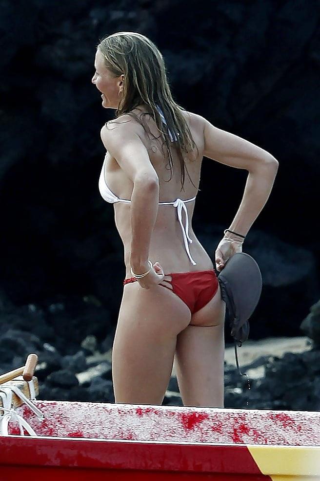 素人美女外国が水着食い込んで直してるぞww盗撮した貴重なポルノエロ画像wwwwww 55 81