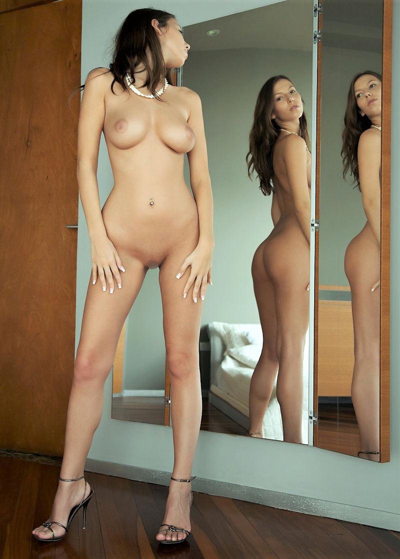 超色っぽいスタイル抜群美女外人が家で撮影した貴重なポルノエロ画像wwwwwww 57 62