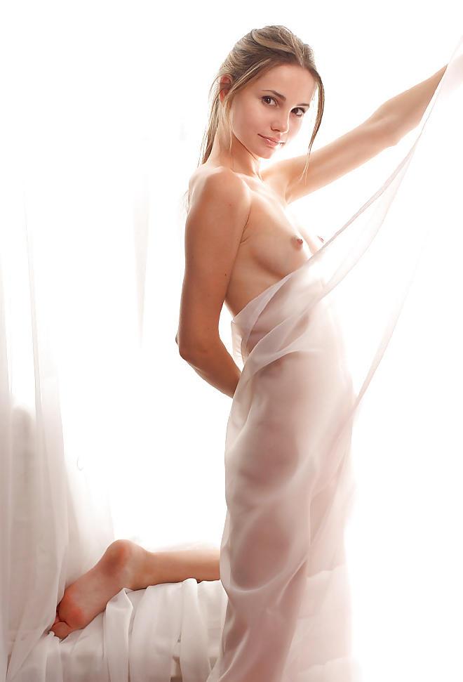 ポルノエロ画像w超ssssss級美少女のヌード写真!!!!!!!!!! 57 72