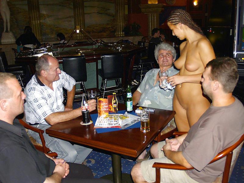 外国人のド派手すぎる露出狂ポルノエロ画像wwww 57 73