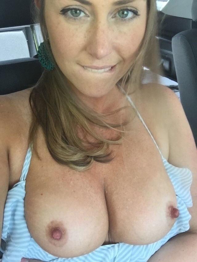 外国人エロ画像w車の中でデカパイ巨乳見せつけちゃう素人美女ぽるの写真集だぞ~~~~~ 61 31