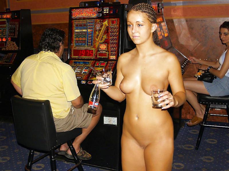 外国人のド派手すぎる露出狂ポルノエロ画像wwww 61 57