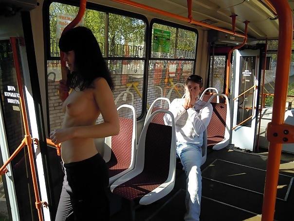 超ヤバすぎるwwwバスの中でとってもいやらしこと楽しんじゃう素人美女外国ポルノエロ画像wwwwww 63 50
