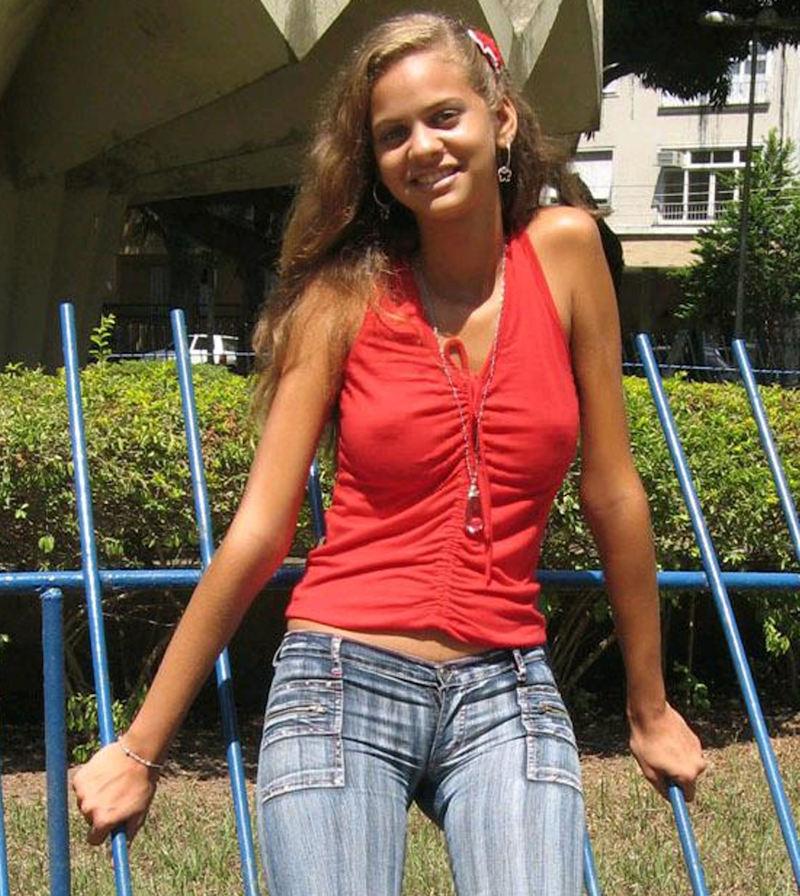 外人エロ画像w乳首立ってるやんwノーブラで街を歩く素人美女外人ポルノ写真集wwwwwwww 7 72