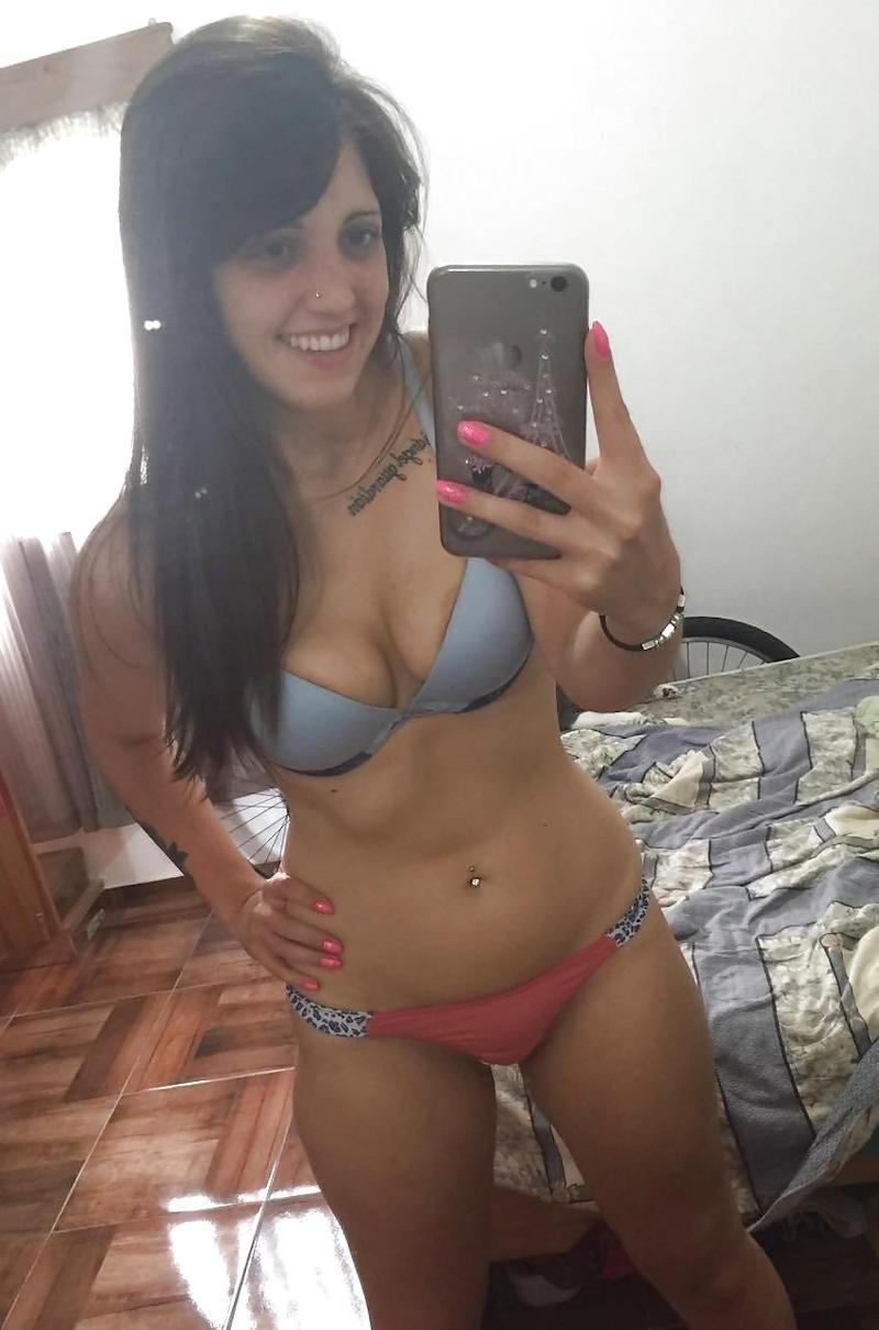 ランジェリー綺麗なお姉ちゃんが下着姿で魅了するポルノエロ画像wwwwww 74 33