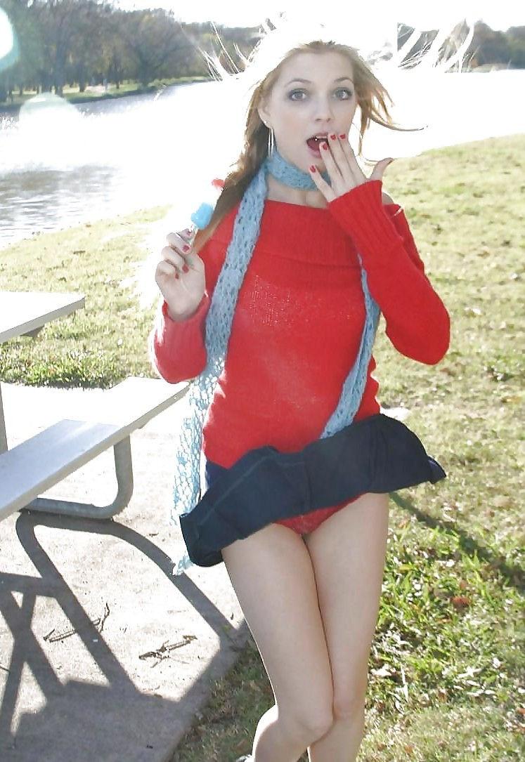 ガイジンエロ画像wパンティー●見せ素人美女を盗撮エロすぎる外人ポルノwwwwwwww 77