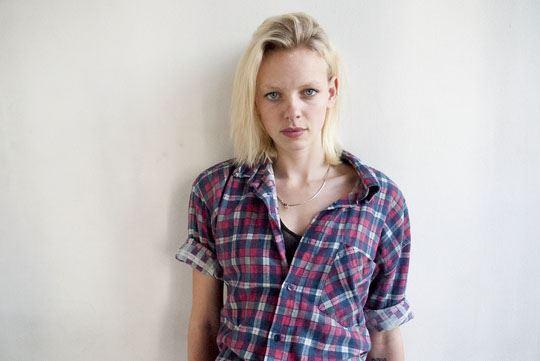 オランダ人 ドリス・モウスwエロ画像!世界の美少女がヌード見せちゃうポルノエロスwwwwwww 1 86
