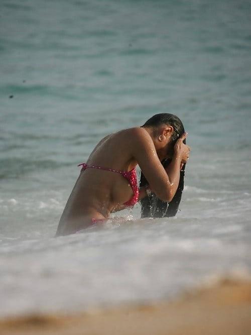 世界のポルノ画像!水着美女が胸の谷間ヤバすぎて勃起回避不能wwwwwwwwww 10 14