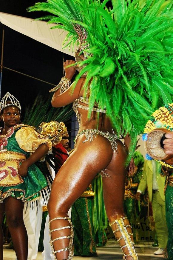 ブラジルエロ画像!リオのカーニバルで巨尻フリフリしちゃうポルノエロ画像wwww 11 49