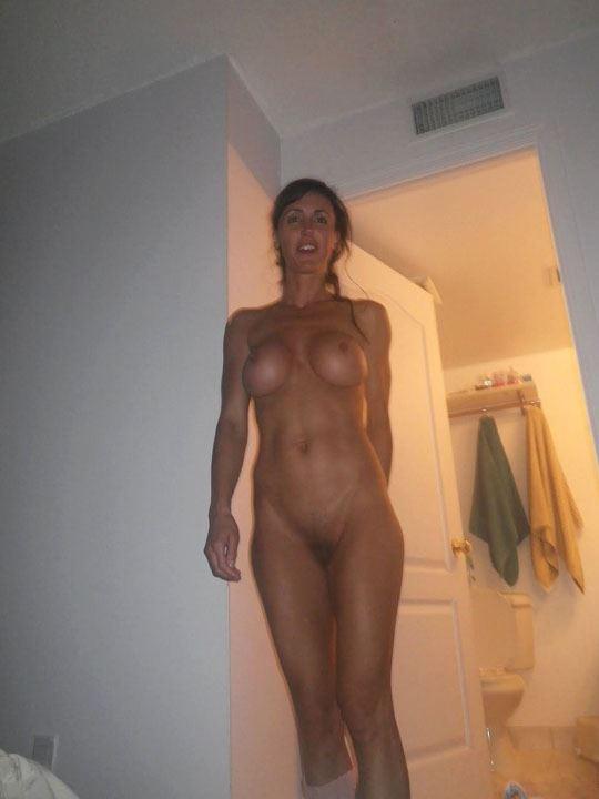 自分の妻をネットでばらまく鬼畜旦那のポルノ画像wwwww 13 68