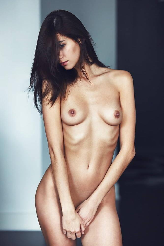 乳首丸出しw外国人がエロしこなヌード見せちゃうポルノエロ画像!!!!!!! 17 16