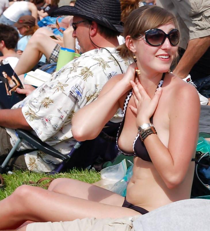 世界のポルノ画像!水着美女が胸の谷間ヤバすぎて勃起回避不能wwwwwwwwww 17 17