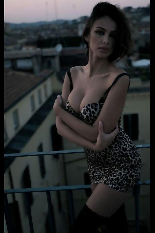 外人エロ画像!綺麗目おっぱい丸出しw美女をネットで集めてみたwwwwwwww 23 36