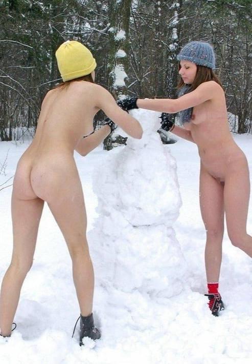 これヤバいだろ!!雪の中で全裸ヌード見せちゃうポルノ外国人エロ画像www 41 36