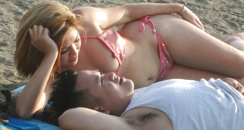 世界のポルノ画像!水着美女が胸の谷間ヤバすぎて勃起回避不能wwwwwwwwww 47 31