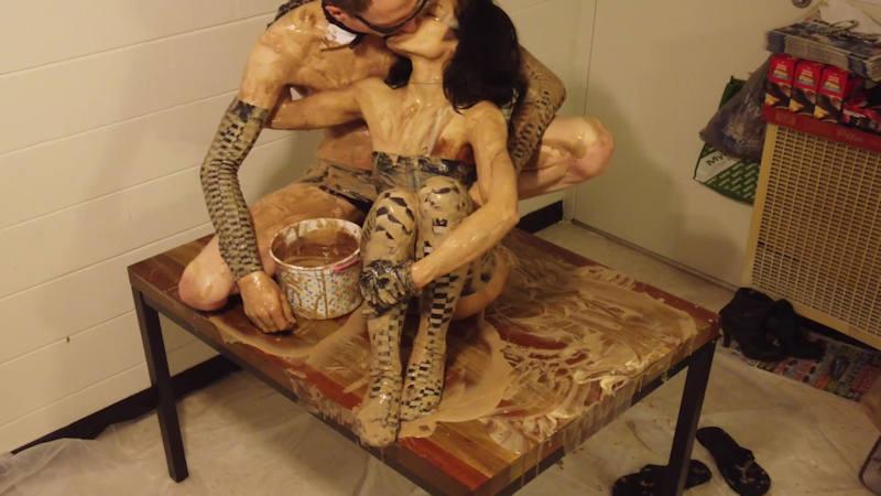 外人エロ画像!チョコレートでおふざけしちゃうポルノwwwwwww 48 39