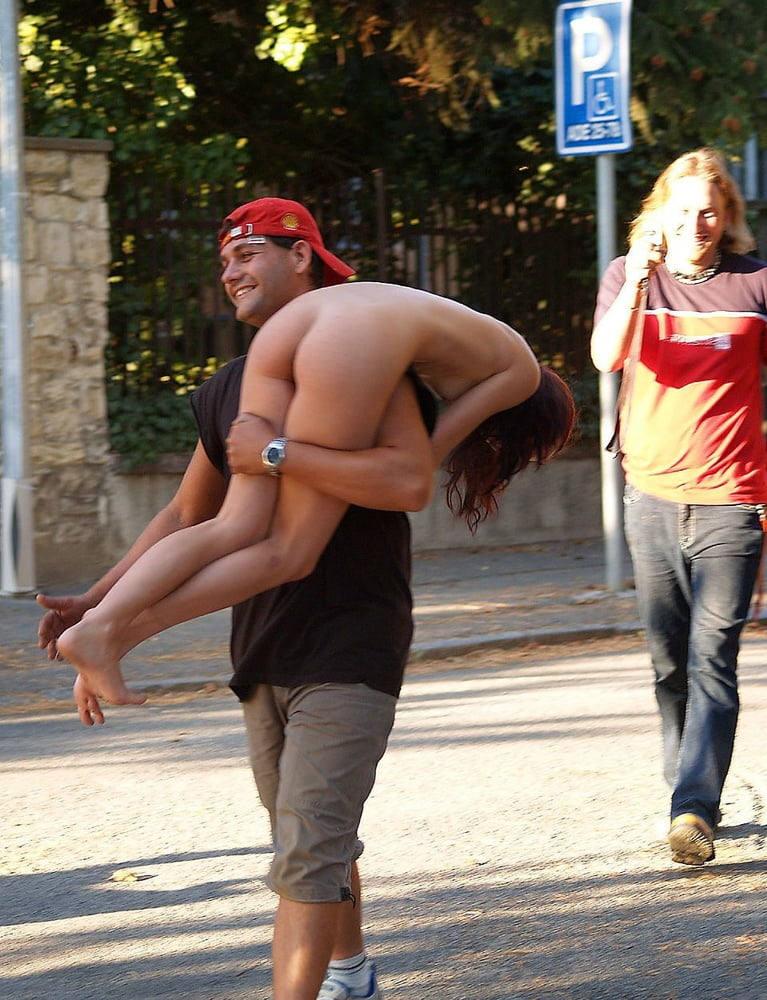 間違いなし!おふざけしてるエロしこな外国人エロ画像www 53 31