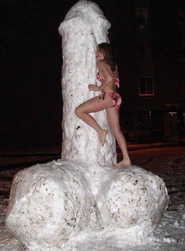 これヤバいだろ!!雪の中で全裸ヌード見せちゃうポルノ外国人エロ画像www 55 33