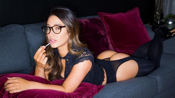 眼鏡の外人エロ画像!スタイル最高の素人がエロしこwwwww 6 53