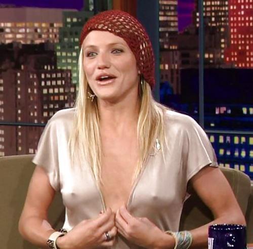外国人エロ画像wノーブラで乳首フル勃起してる素人外国人がやばいwwww 91 1