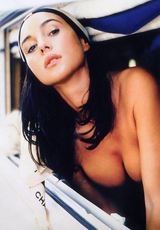 早期削除注意ーーー❖まじでやば杉w女優モニカ・ベルッチのオールヌード!見ないと男じゃないwwww 3 7