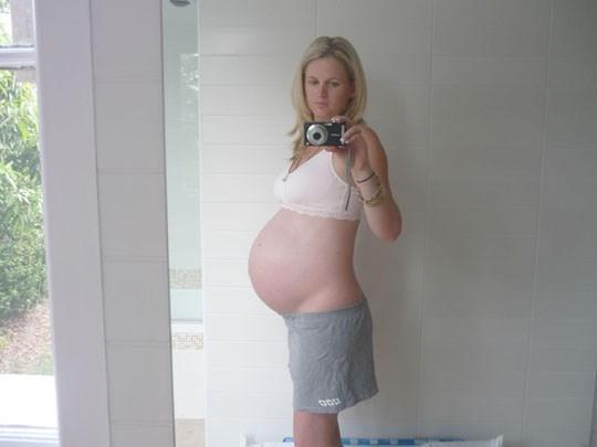 速報ーーー❖マニア必見!マタニティヌードを自撮りする女性の写真をネットで発見!! 4 21
