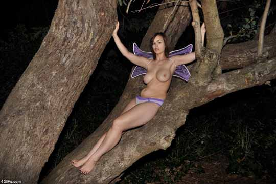 彼女をお外で全裸ヌードにして撮影wそれをネットでばらまいてみた件wwwwww 15 11