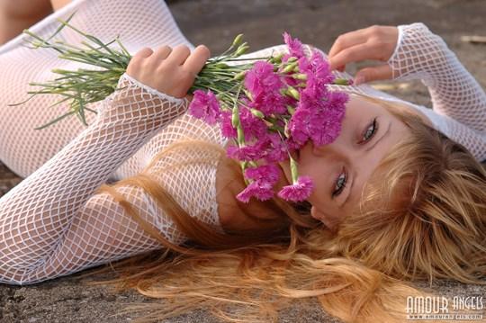 ウクライナのスレンダー美少女のヌード写真世界中にばらまいてみたwww 19 7