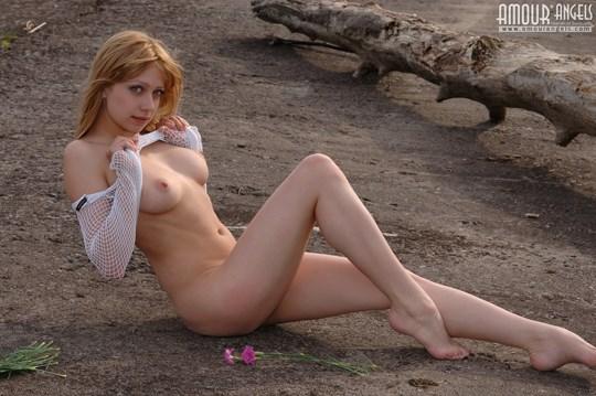 ウクライナのスレンダー美少女のヌード写真世界中にばらまいてみたwww 21 7