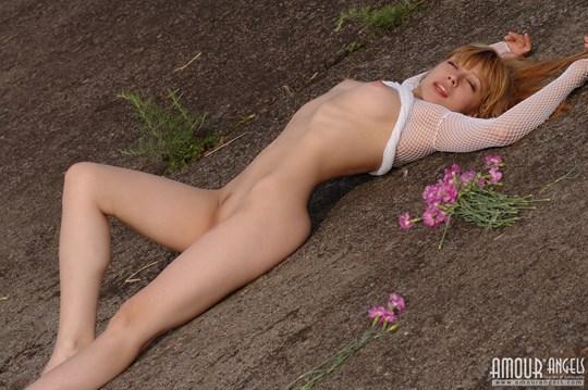 ウクライナのスレンダー美少女のヌード写真世界中にばらまいてみたwww 22 5