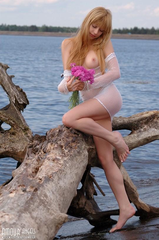 ウクライナのスレンダー美少女のヌード写真世界中にばらまいてみたwww 26 5
