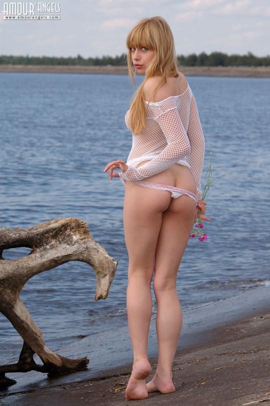 ウクライナのスレンダー美少女のヌード写真世界中にばらまいてみたwww 28 5