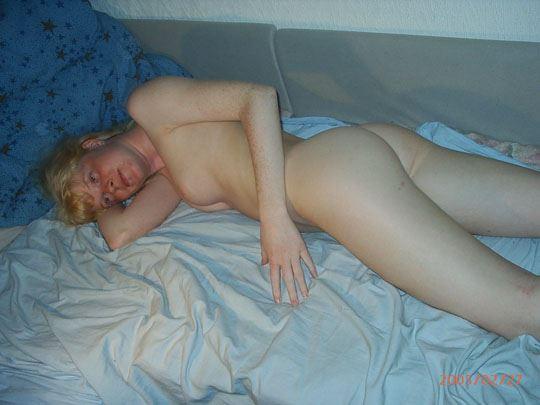 世界のポルノエロ画像!金髪素人カップルが自撮りしてフェラしちゃうw 3 18