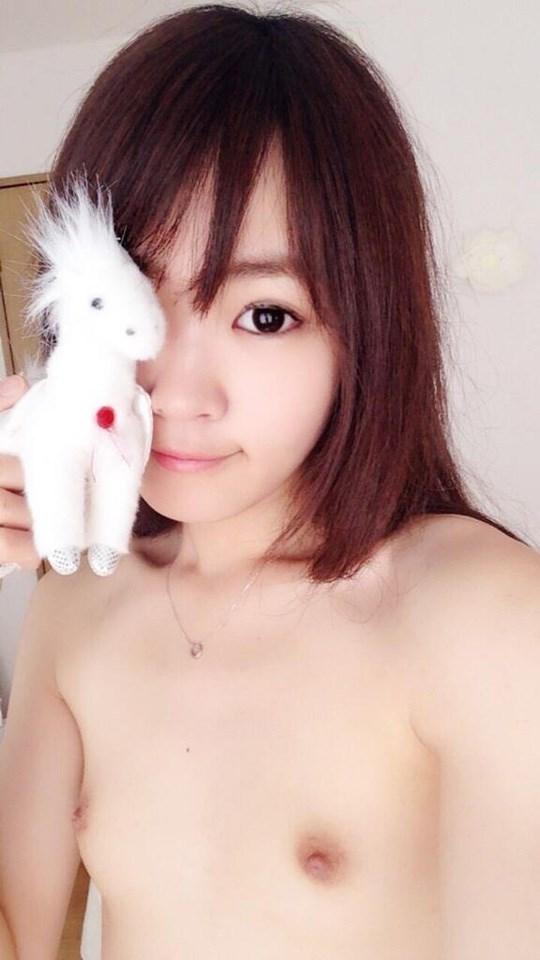 アジアの貧乳ちっぱい美少女が全裸ヌード見せちゃうポルノエロ画像ww 34 10