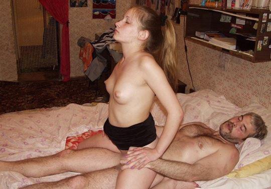 おさげ髪のカワイ子ちゃんが全裸ヌード見せちゃうw外国人エロ画像 38 3
