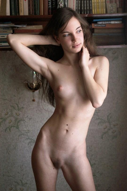 世界のエロ画像!!幼顔童顔美少女がお部屋でヌード写真とっちゃうwww 40 2