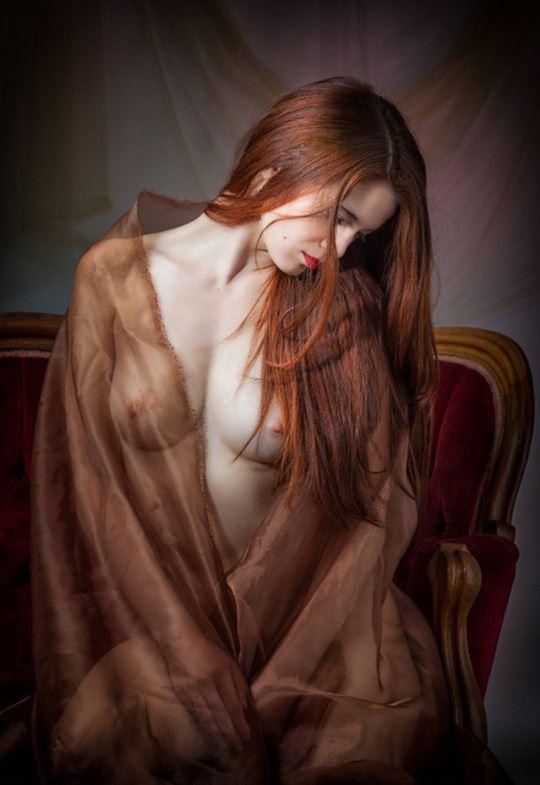 赤い髪の外国人エロ画像!!スレンダー美少女が野外で全裸ヌード見せちゃうwww 6 2