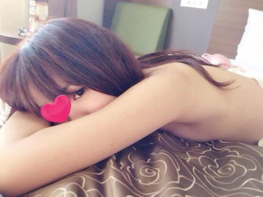 アジアの貧乳ちっぱい美少女が全裸ヌード見せちゃうポルノエロ画像ww 67