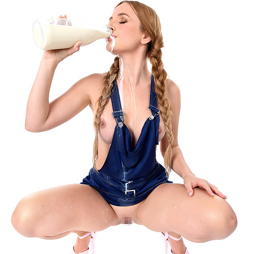 外国人が牛乳をこぼしながら飲んでる姿が超エロい件wwwww 1 181
