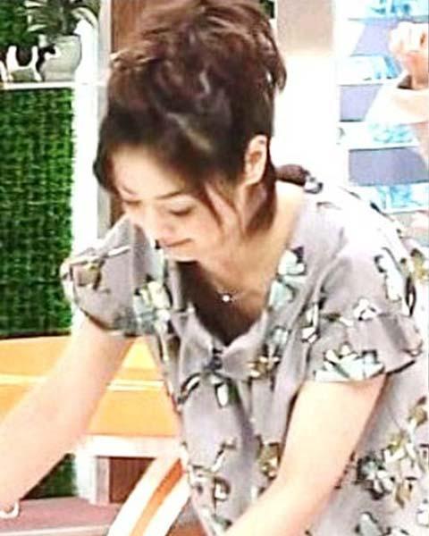 ※お宝画像発見!!夏目三久アナの乳首ポロリ画像がネットで話題にwwwwwwwww 1 406