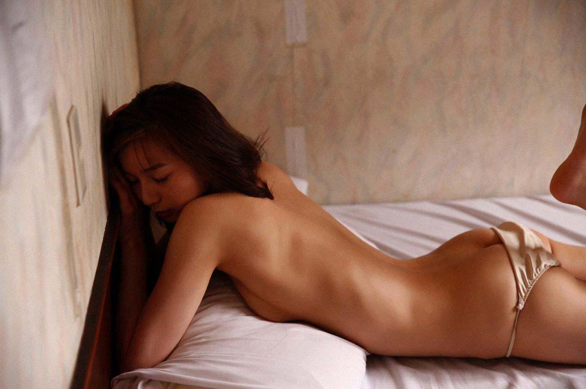 ※超貴重画像発見!!芹那の全裸ヌード画像wwwwwwww 10 158