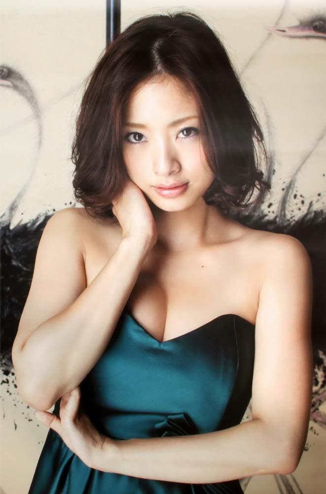 ※人妻になってもなかわいい上戸彩のデカパイエロ画像!!!!!!!!! 10 187